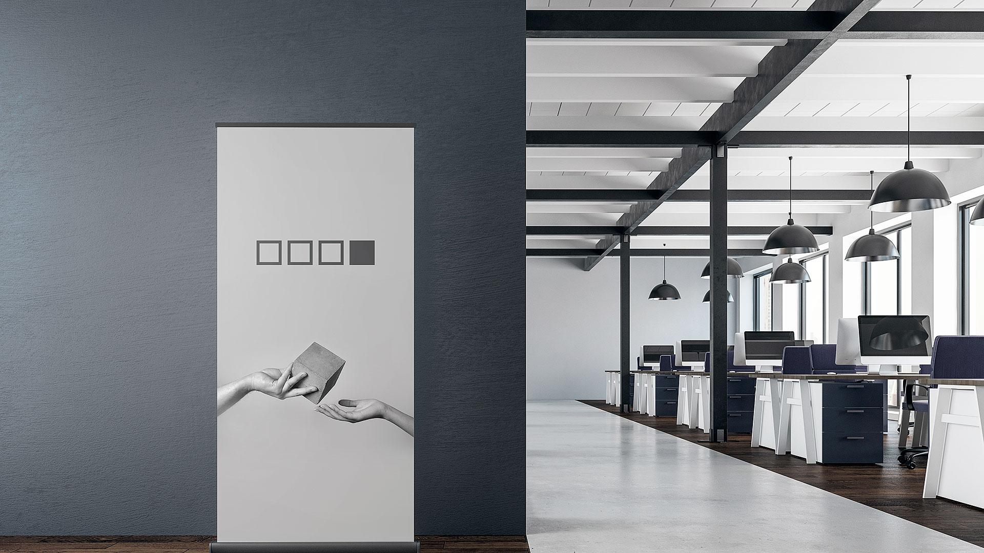 Reklāmas stendi, roll-up stendu izgatavošana – Hromets poligrāfija paraugs