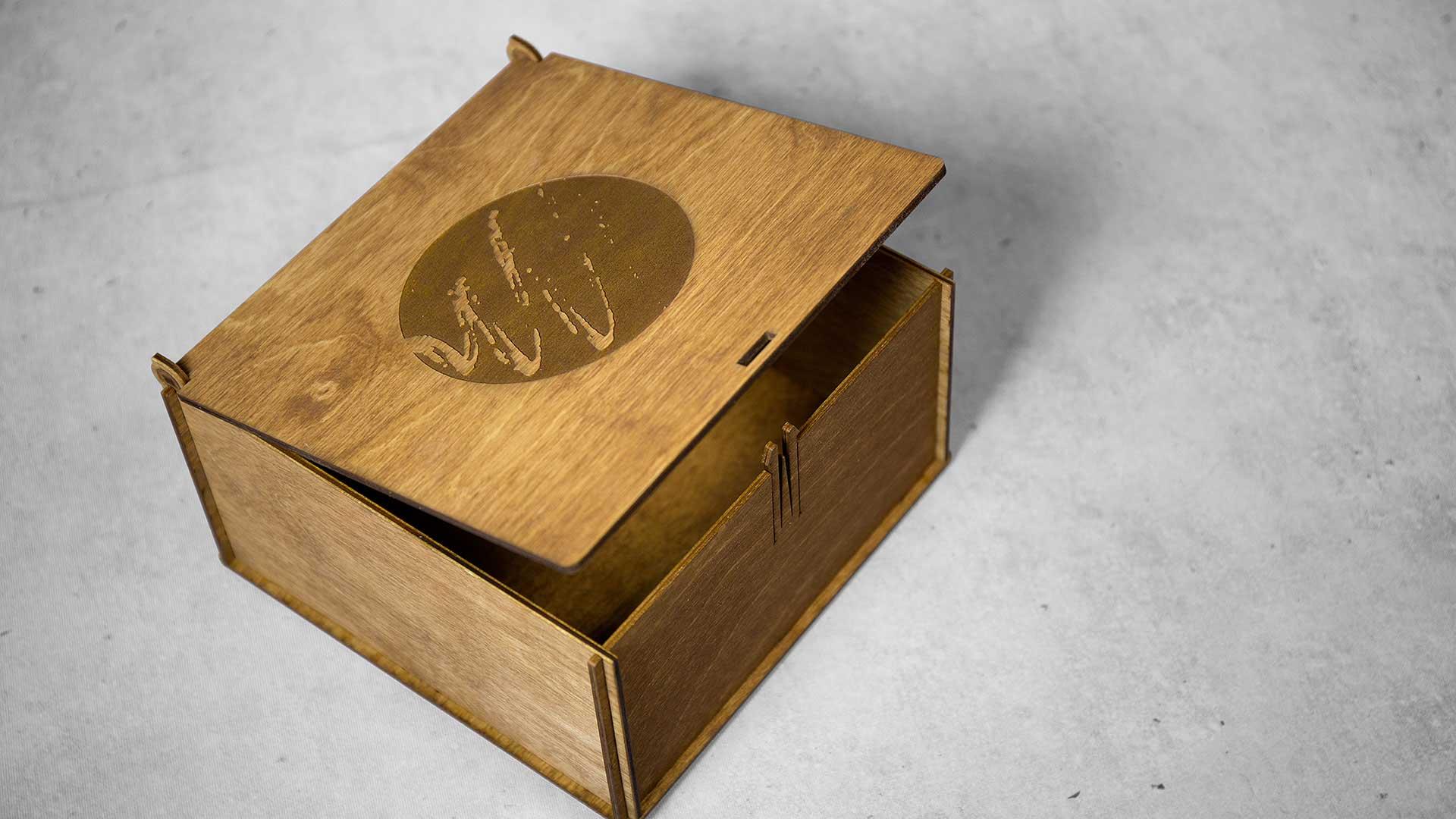 Iepakojumi kastītes Auctoritas