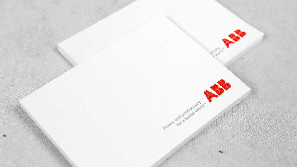 Līmlapiņu dizains un apdruka ABB
