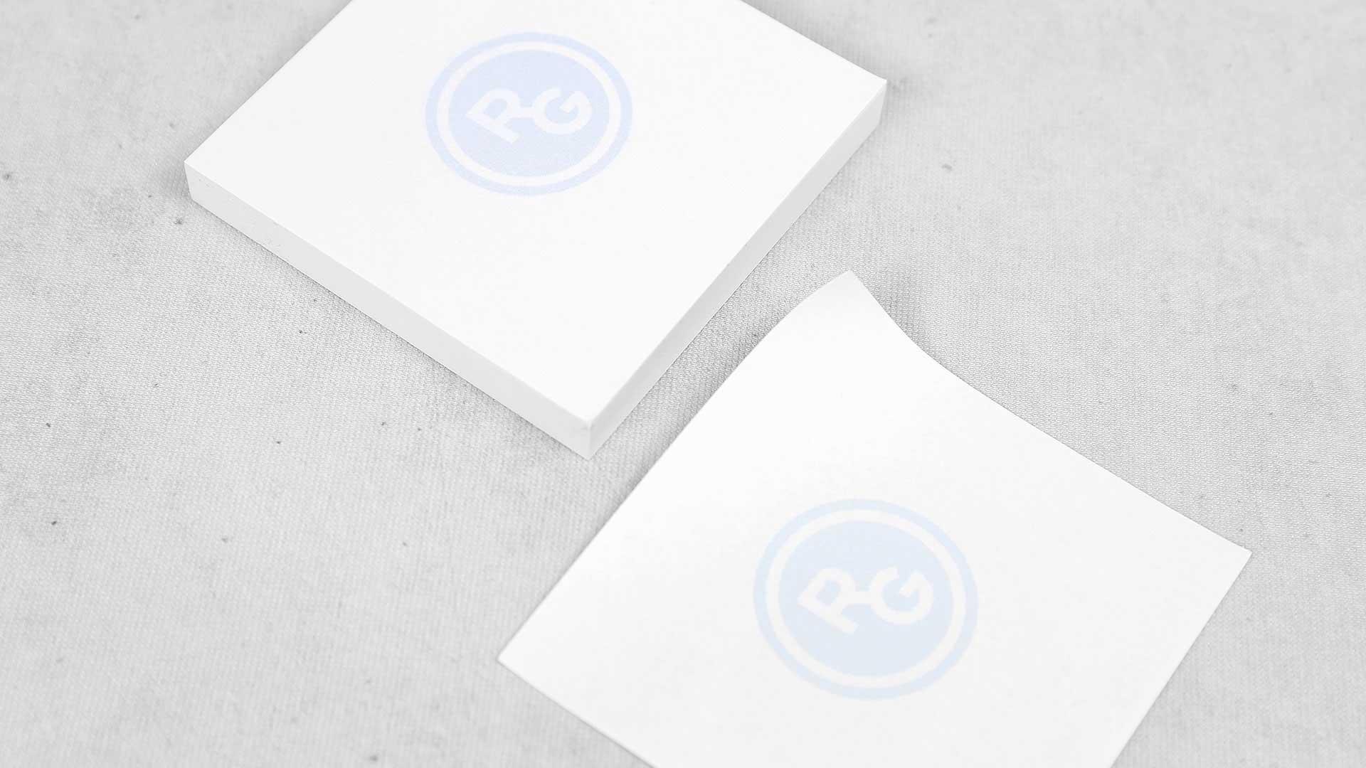 Līmlapiņu dizains un apdruka RG