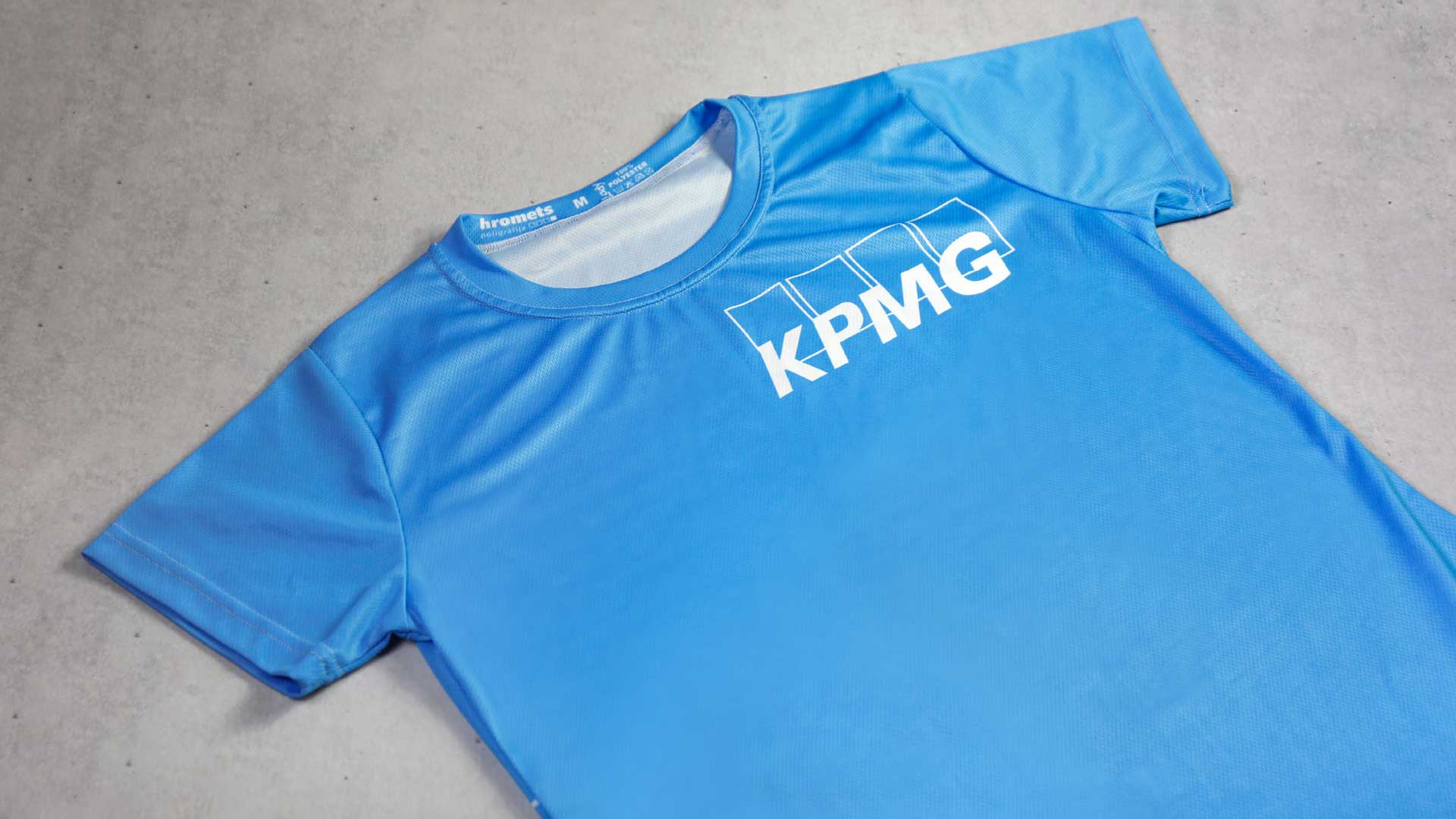 T-kreklu apdruka KPMG