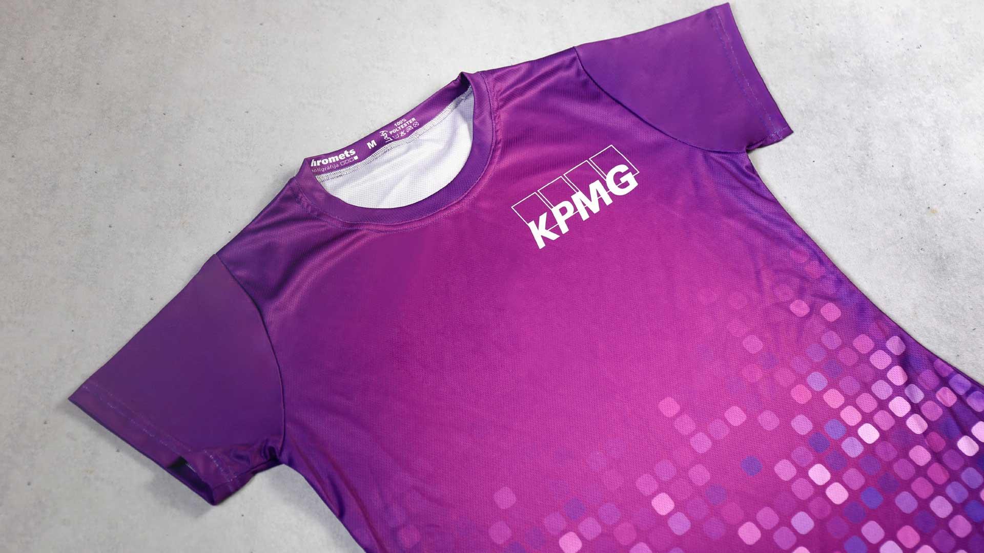 Sieviešu t-kreklu apdruka KPMG